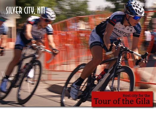 Two bikers in the Downtown Silver City Criterium